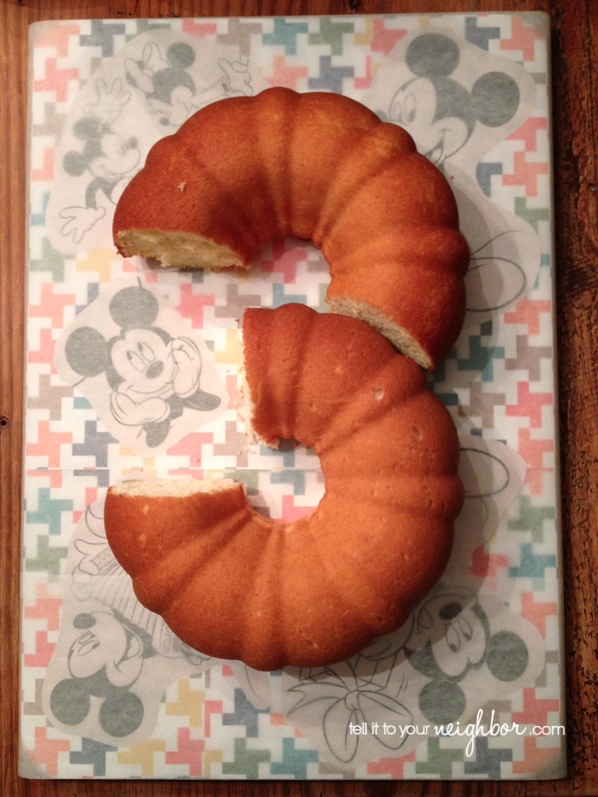 number 3 shaped cake
